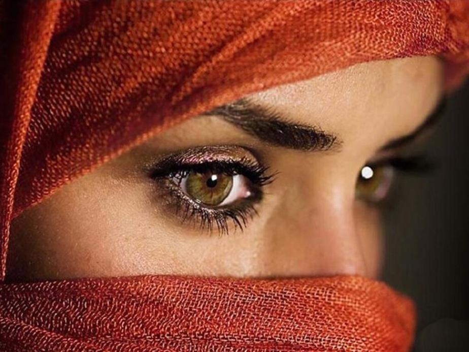 Eyes : Resist LoosingSelf
