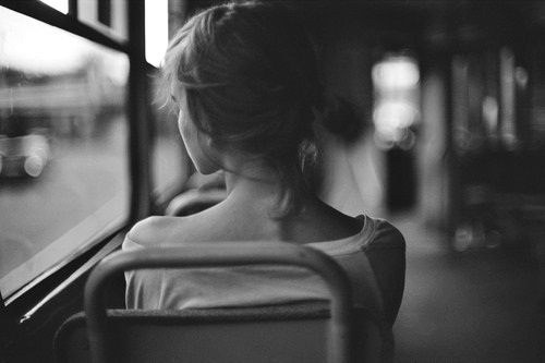 bampw-black-and-white-bus-girl-sad-favim-com-403582.jpg